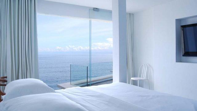 Morabito Art Cliff sea view