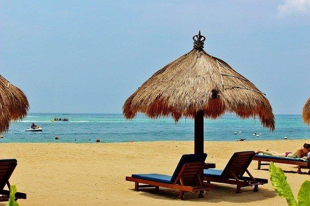 Beachside Bali honeymoon resort