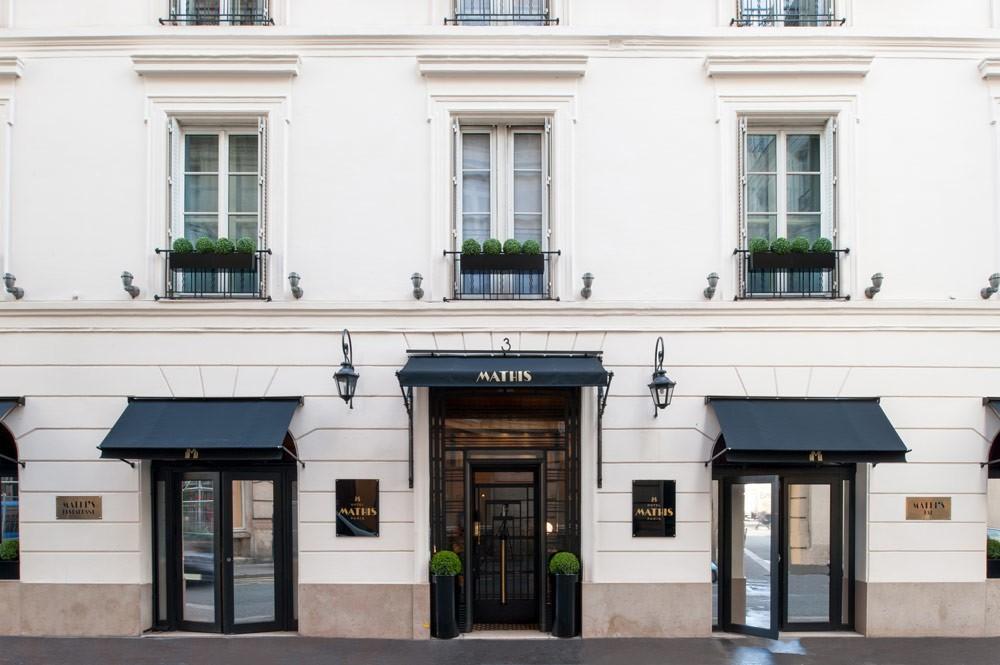 Honeymoon Hotel in Paris