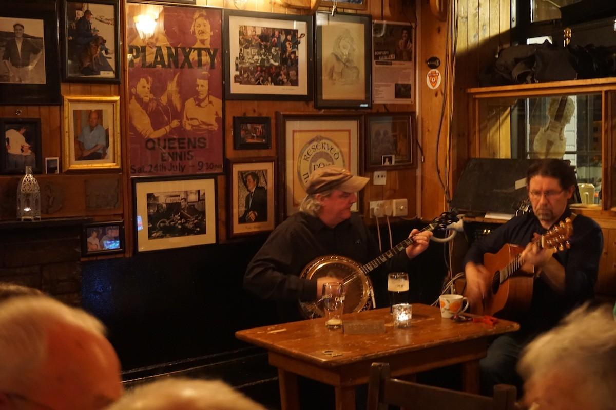 Dooin Pub Music