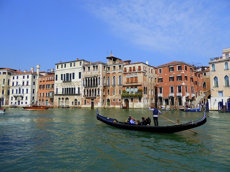 7 Incredibly Romantic Cities in Italy