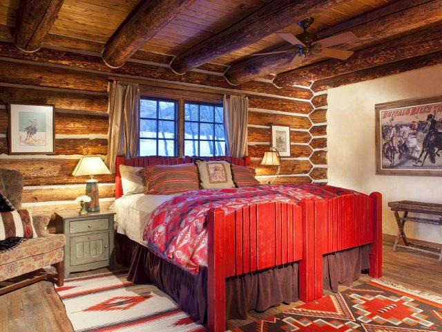 Private and romantic Colorado Cabin