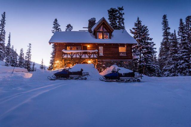 Cozy romantic cabin in Colorado