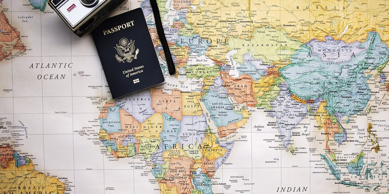 Should You Use a Travel Agent For Your Honeymoon?