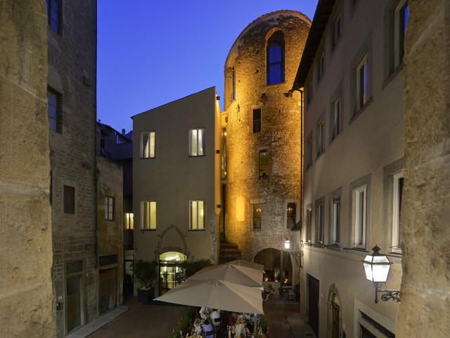Hotel Brunelleschi ancient tower