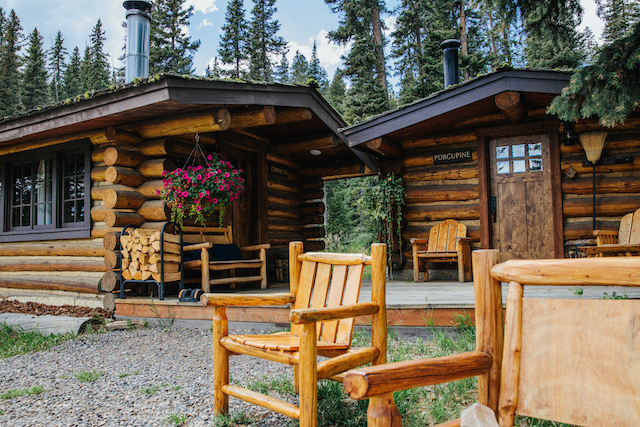 This image has an empty alt attribute; its file name is Lone-Montain-Ranch-Cabins.jpg