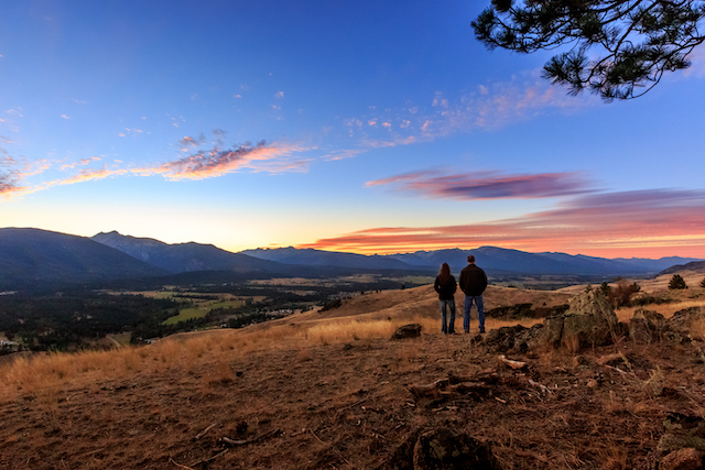 This image has an empty alt attribute; its file name is sunset-at-Triple-creek-ranch.jpg