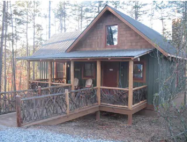 Classic Cabin in Helen Georgia