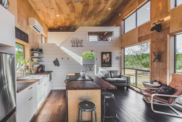 Romantic Waco Container home