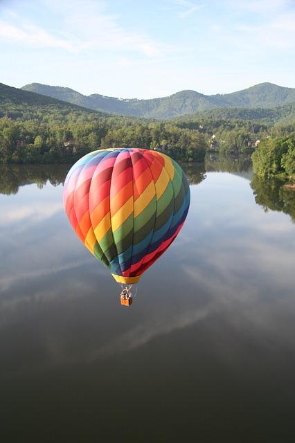 hot air balloon over asheville