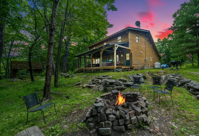 Firepit out of Secluded Romantic Cabin on 10 acres With Hot Tub