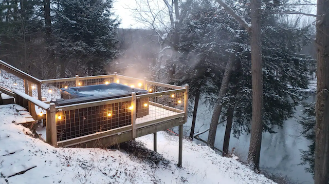 Hot tub at Fire & Water Cabin in Fennville, Michigan