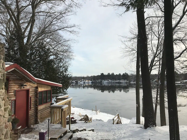 Cozy Log Cabin on the Big Muskegon River
