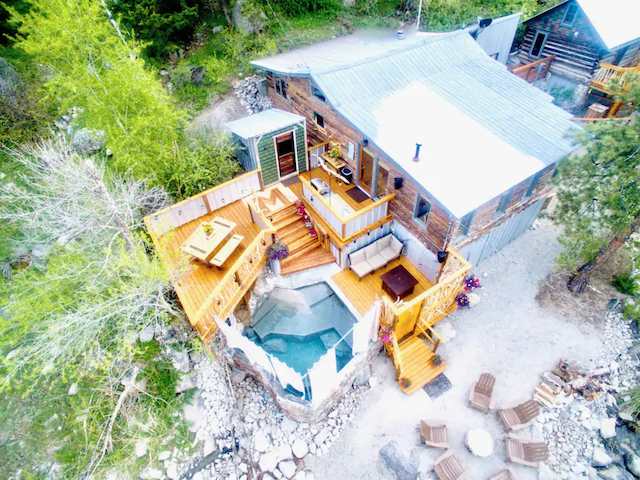 Colorado cabin with natural hot spring pool