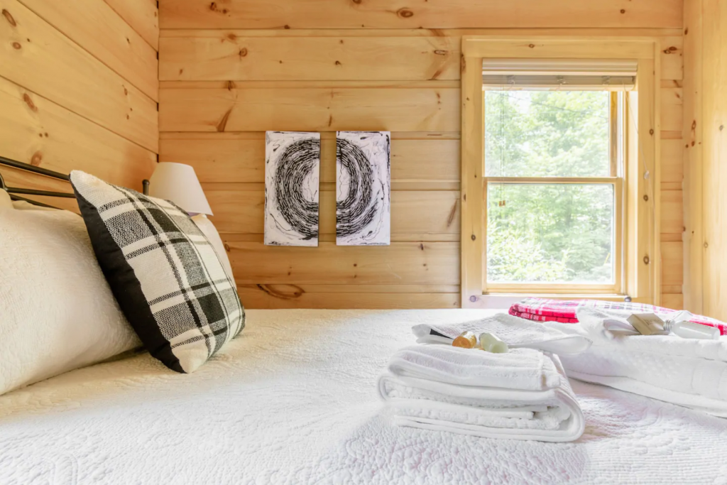 Secluded Cabin in the High Country, Boone, North Carolina bedroom