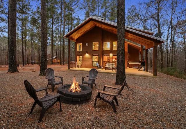 firepit outside strawberry creek cabin